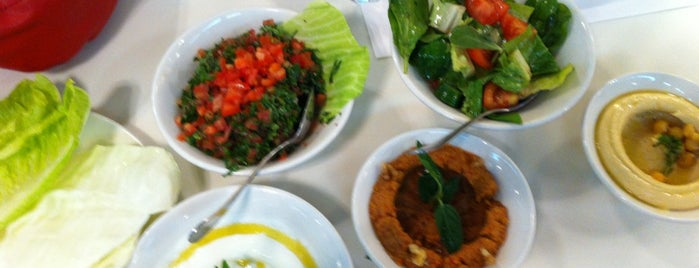 Kabab-ji is one of Locais curtidos por Rania.