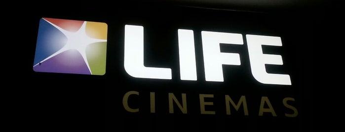 LIFE Cinemas Punta Carretas is one of Locais salvos de Yael.