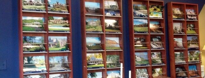 Ellis Sotheby's Realty is one of Lugares favoritos de Patrick.