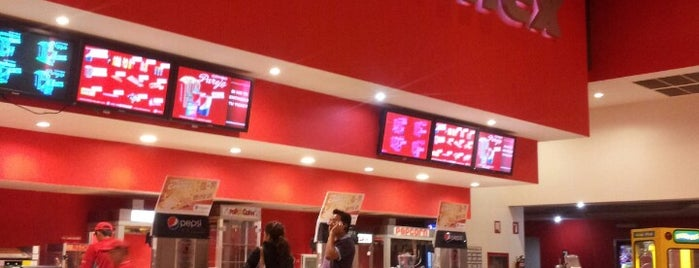 Cinemex is one of Jiordanaさんのお気に入りスポット.