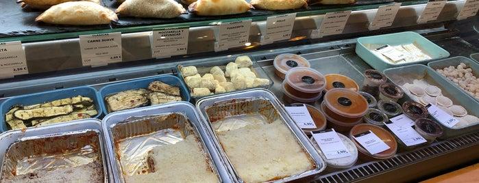 Mundo Casero is one of Empanadas argentinas.