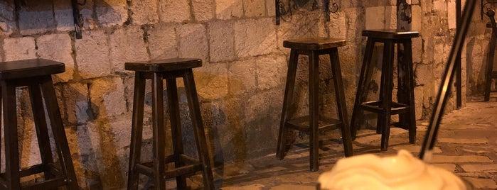Bandiera Authentic Pub is one of Arif'in Beğendiği Mekanlar.