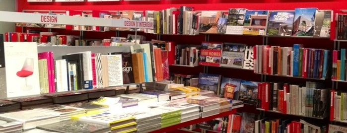 Librairie Flammarion is one of Katya: сохраненные места.