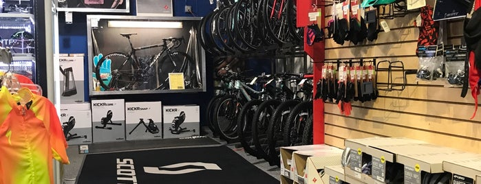 Roswell Bicycles is one of Lukeさんのお気に入りスポット.
