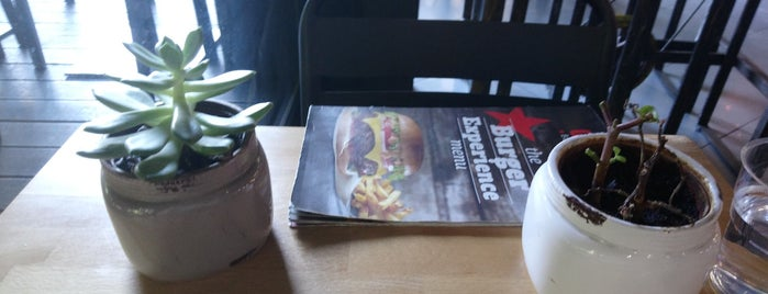 Goody's Burger House is one of Theodosia : понравившиеся места.