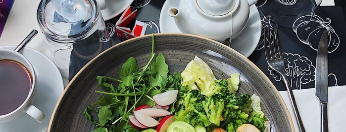 Salad Me Cafè is one of Colazione vegan a Milano e dintorni.