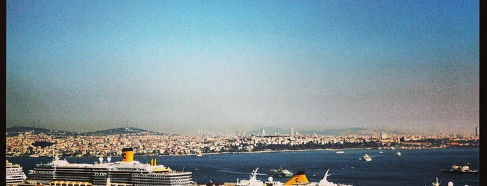 Georges Hotel Roof Terrace is one of You call it chaos; we call it home: Istanbul 💙.