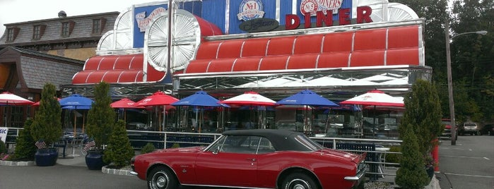 Jefferson Diner is one of Lizzie 님이 저장한 장소.