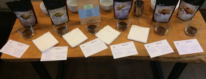 Double B Coffee & Tea is one of Orte, die AleXandra gefallen.