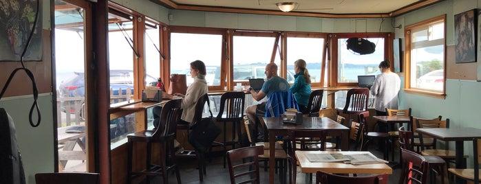 Ampersand Cafe is one of Posti che sono piaciuti a Caroline.
