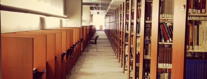 Health Sciences Library is one of Posti che sono piaciuti a Yamila.
