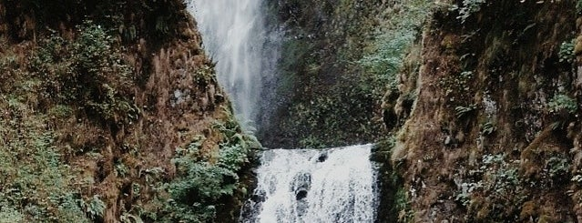 Multnomah Falls is one of Portland, OR - Favorite Nature/Outdoors.