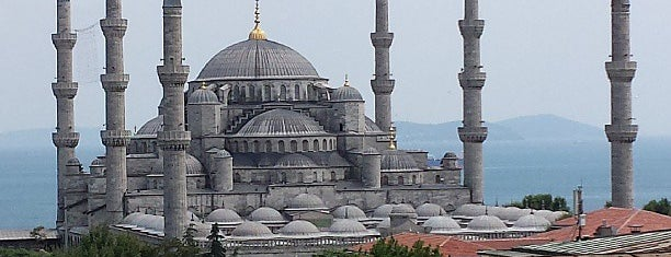 Sultan Ahmet Camii is one of Top-Rated Tourist Attractions in Istanbul.