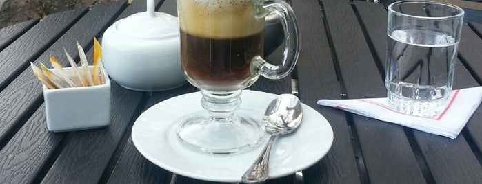 Due Coffee is one of Paola 님이 좋아한 장소.