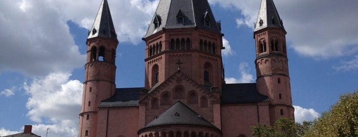 Dom St. Martin is one of Kathedralkirchen.