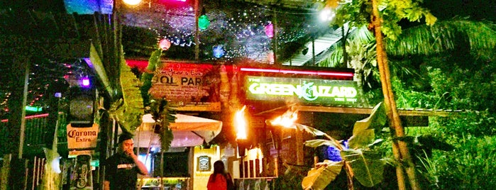 Green Lizard Bar & Grill is one of Guam.