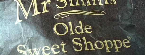 Mr Simms Olde Sweet Shoppe is one of Carolineさんのお気に入りスポット.