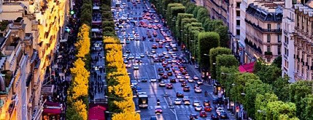 Avenue des Champs-Élysées is one of Lugares que fui.
