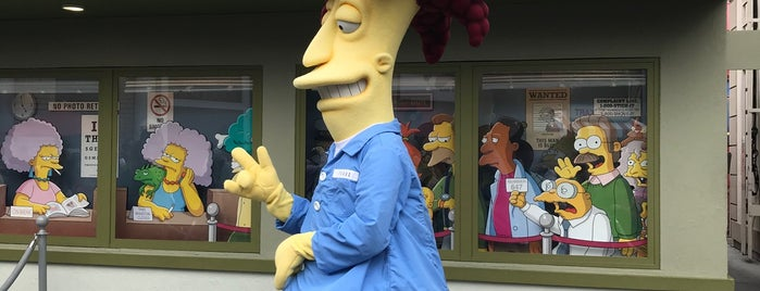 Springfield USA is one of Lugares favoritos de Cristina.