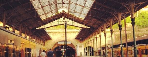 Estação Ferroviária de Porto-São Bento is one of Kevin'in Beğendiği Mekanlar.