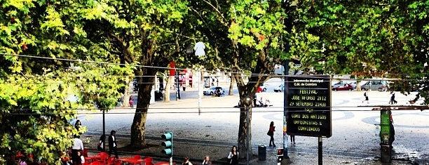 Cartola Esplanada Bar is one of Lugares favoritos de Lia.