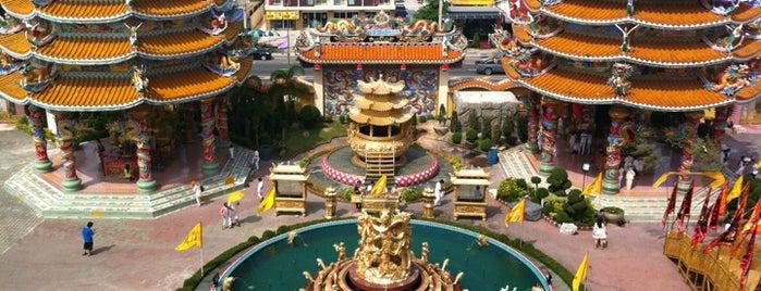 วิหารเทพสถิตพระกิติเฉลิม (ศาลเจ้าหน่าจาซาไท้จื้อ) is one of Veeさんのお気に入りスポット.