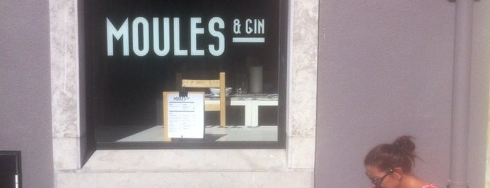 Moules & Gin is one of Cascais.