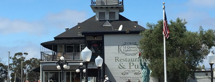 Quinn's Lighthouse Restaurant & Pub is one of San Francisco Dos.