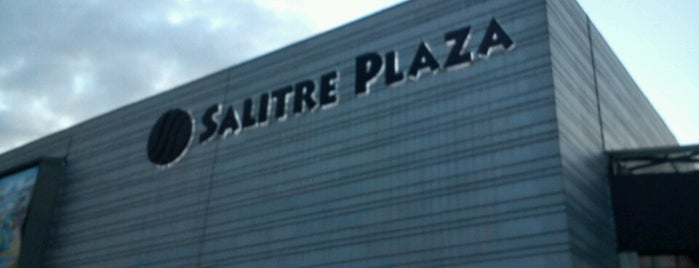 Centro Comercial Salitre Plaza is one of Superestacion.fm.