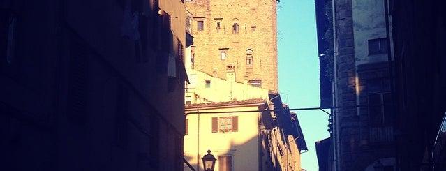 arco di San Pierino is one of Posti che sono piaciuti a La.