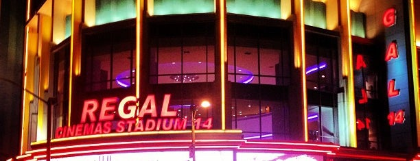 Regal Cinemas LA LIVE Stadium 14 is one of Temp.