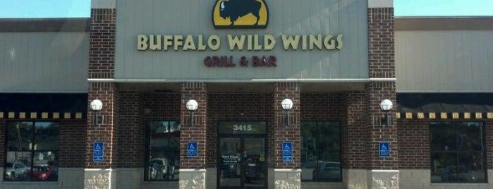 Buffalo Wild Wings is one of Lugares favoritos de TripleJ18.