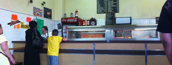 Frank's Fish Bar is one of Tempat yang Disimpan Deborah Lynn.