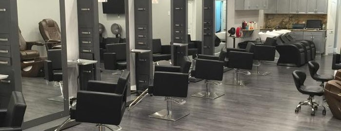 CSC Beauty Salon is one of Lugares guardados de Priscila.
