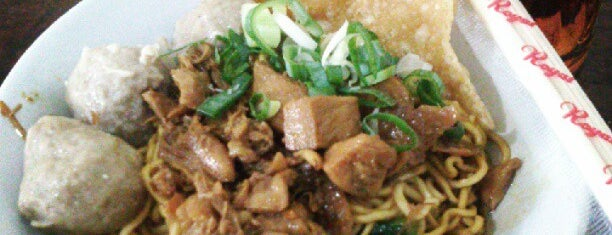 "Mie Ayam Bakso ""YUNUS"" is one of Food 1."