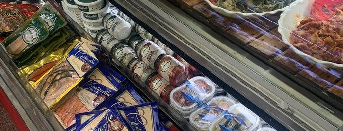 Cal-Mart is one of Posti che sono piaciuti a julia.