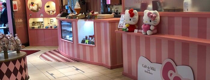 Cafe de Miki with Hello Kitty is one of Orte, die Fernando gefallen.