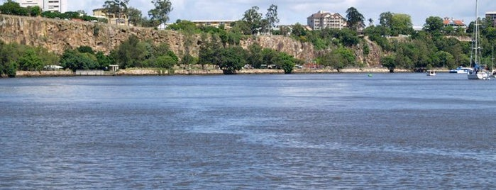 Kangaroo Point Cliffs & Riverwalk is one of Brisbane.