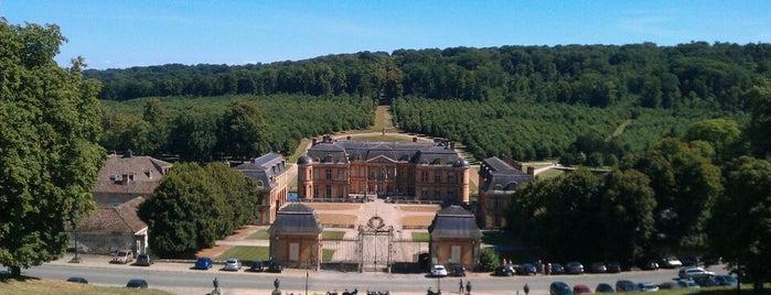 Château de Dampierre is one of Châteaux de France.