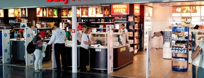 Duty Free Boryspil is one of Posti che sono piaciuti a Samet.