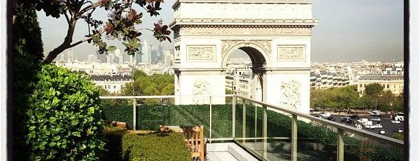 Terrasse Publicis is one of สถานที่ที่ Yannick ถูกใจ.
