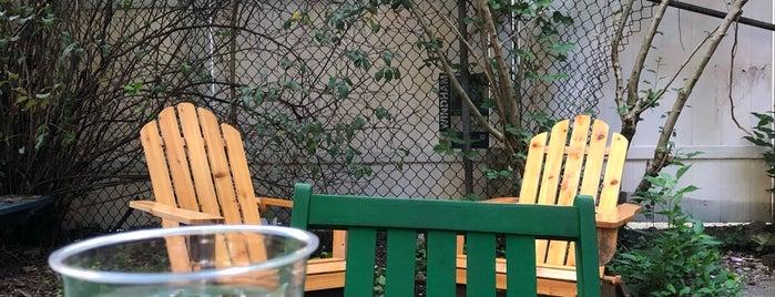 odd fox is one of NYC / Brooklyn: Greenpoint.