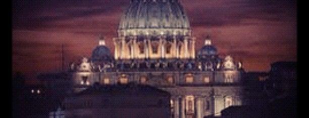 Kuppel der Basilika St. Peter is one of Roma.