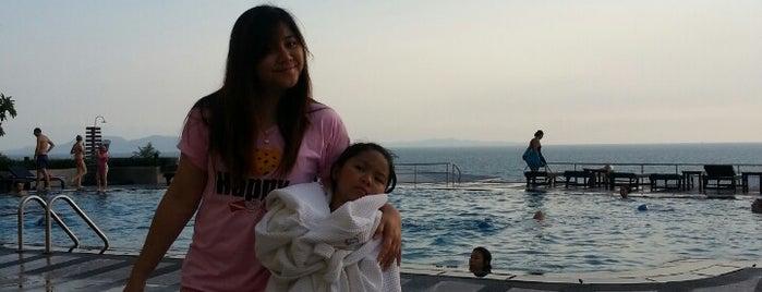 Swimming Pool Beach&Mountain Condo 5 is one of Lugares favoritos de Sasha.