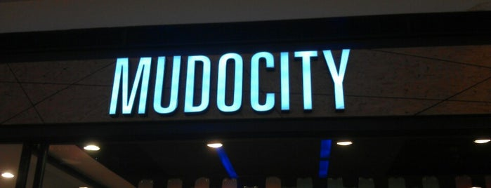 Mudo City is one of Locais curtidos por Dilek.