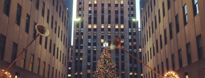 Rockefeller Center is one of NYC Spots for Out of Towners.