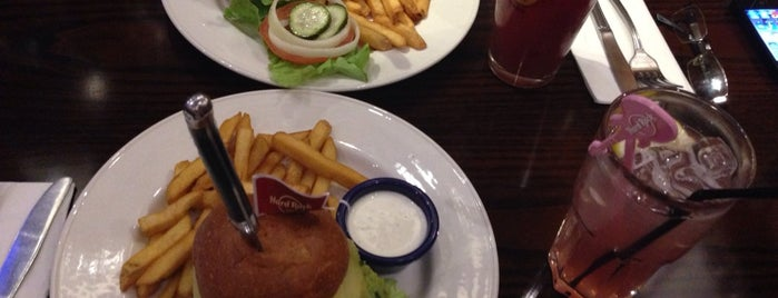 Hard Rock Cafe is one of Burger in Paris.