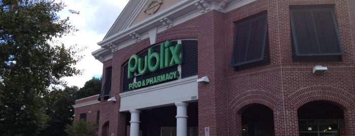 Publix is one of Lugares favoritos de 💋Zindzhi.