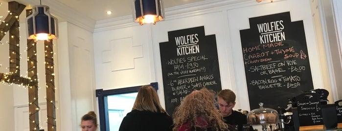 Wolfies Kitchen is one of Ade'nin Kaydettiği Mekanlar.