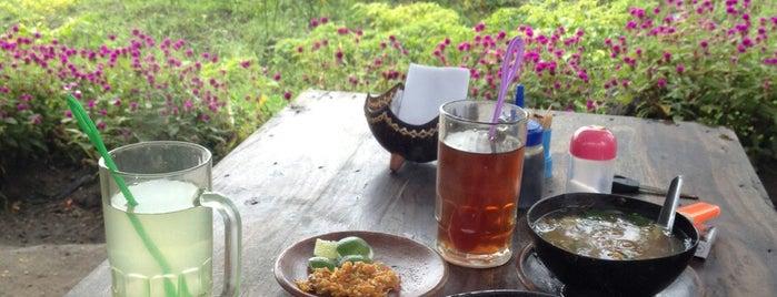 Saoto Bathok Mbah Katro is one of Yogyakarta.